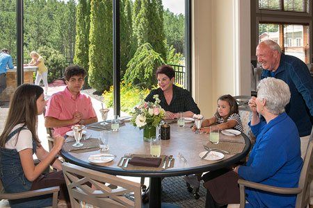 family dining at RiverMead